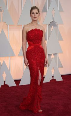ROSAMUND PIKE IN GIVENCHY COUTURE Attending the 87th Annual Academy Awards, February 22.