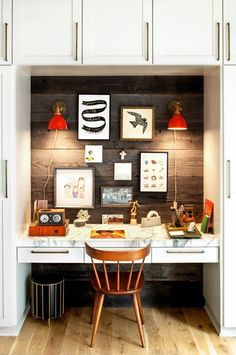 Check Out 35 Industrial Home Office Design Ideas. One style which is great for a home office is industrial. Industrial pieces become chic urban decor. Industrial decor is fashionable, functional and perfectly suited for life in the century. Tiny Office, Closet Office, Home Office Space, Home Office Design, Home Office Decor, House Design, Home Decor, Office Ideas, Office Spaces