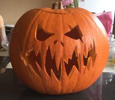 Jack O Lantern Design halloween pumpkins Awesome Pumpkin Carvings, Scary Pumpkin Carving, Halloween Pumpkin Carving Stencils, Pumpkin Carving Patterns, Pumpkin Stencil, Unique Pumpkin Carving Ideas, Scary Pumpkin Faces, Cool Pumpkin Designs, Halloween Pumpkin Designs