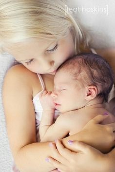 baby newborn sibling photo LOVE this but I'm not sure how it would work with a three year old and newborn