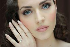 Braut Make-up Idee für Frauen mit blauen Augen