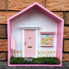 casa de hadas de color rosa