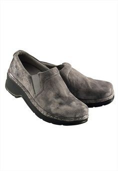 Like walking on a cloud - seriously! Klogs Naples Grey Cloud nursing clogs.