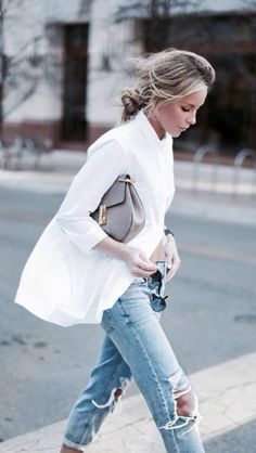 Oversized white blouse | What to wear summer and spring | How to white blouse outfit | boyfriend blouse | Riped jeans | More on Fashionchick