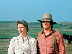 PRAIRIE 'Pilot' Aired Pictured Karen Grassle as Caroline Quiner Holbrook Ingalls Michael Landon as Charles Philip Ingalls Photo by NBCU Photo Bank Michael Landon, Train To San Francisco, Melissa Sue Anderson, Ingalls Family, Los Angeles Apartments, Melissa Gilbert, Laura Ingalls Wilder, Karen, Classic Tv