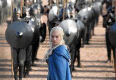 """Game of Thrones"": Daenerys Targaryen, Aragorn und der Messias Game Of Thrones Episodes, Game Of Thrones Costumes, Game Of Thrones Fans, Game Of Thrones Characters, Daenerys Targaryen, Khaleesi, Aragon, Saturday Night Live, Emilia Clarke"
