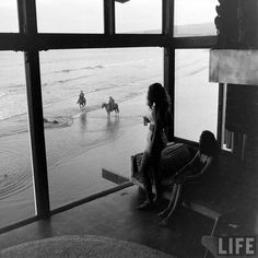 1890 Spindrift Drive, 1947 by Peter Stackpole and featured in the November 3 issue of Life Magazine, pages 154-160.