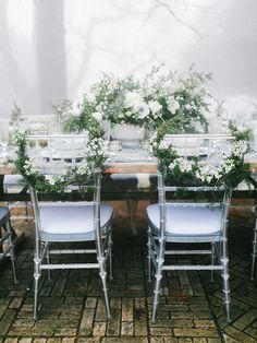 This may just be the most beautiful winter shoot I've ever seen! The fog adds the perfect element of romance to this incredible wintery vision dreamt up by AMORE EVENTS BY CODY and captured beautifully by RACHEL MAY PHOTOGRAPHY. Inspired by nature's winte