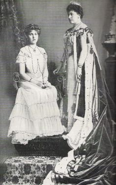 Princess Beatrice with her daughter Victoria Eugenie The Effective Pictures We Offer You About Historical Fashion 1400 A quality picture can tell you many things. You can find the most beautiful pictu Queen Victoria Family Tree, Queen Victoria Children, Queen Victoria Prince Albert, Victoria And Albert, Princess Victoria, Princesa Beatrice, Spanish Royalty, Victoria's Children, Royals
