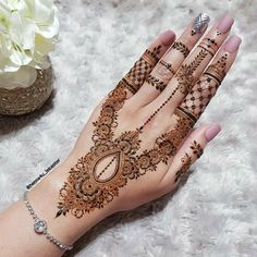 Hi everyone , welcome to worlds best mehndi and fashion channel Zainy Art . Hope You guys are liking my daily update of Mehndi Designs for Hands & Legs Nail . Henna Hand Designs, Simple Mehndi Designs Fingers, Henna Flower Designs, Mehndi Designs For Girls, Mehndi Designs For Beginners, Modern Mehndi Designs, Bridal Henna Designs, Mehndi Design Pictures, Beautiful Henna Designs