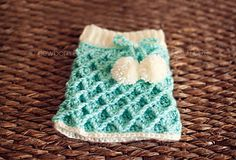 Waffle Gaufre Skirt Crochet Pattern by Paloma Perez. Baby Photo Prop; Baby Girl Skirt