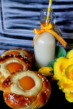 Kakkuviikarin vispailuja!: Rahkapullat aprikoosilla
