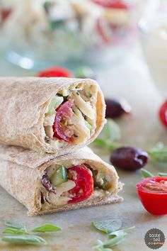 Perfect for a quick lunch or an easy dinner, this Greek Chicken Wrap Recipe is full of flavor and low in calories! Chicken Wraps, Chicken Wrap Recipes, Turkey Recipes, Tostadas, Crepes, Cooking Recipes, Healthy Recipes, Healthy Wraps, Yummy Recipes