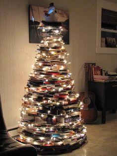 Resultado de imagen para books christmas tree