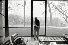 """Phillip Johnson, the Glass House, New Canaan, Connecticut,"" Annie Leibovitz"
