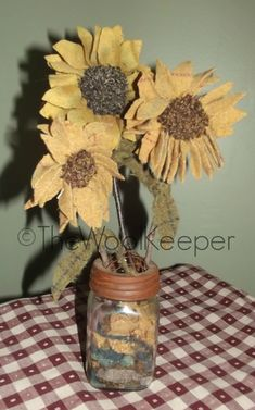 Wow! This is so country primitive! This pattern includes instructions and the rusty tin flower frog lid that turns any jar into a great primitive vase!!