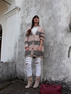 Outfit with Pink and Grey stripes on cardigan by Manulena knitwear - grigio, rosa, bordeaux e bianco Pink Grey, Pastel Pink, Fashion Blogger Style, Grey Stripes, Military Jacket, Knitwear, Winter Jackets, Pastel Outfit, Vest