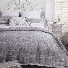 Silver Grey PAISLEY ALLAMBRA   Quilt / Doona Cover Set LOGAN & MASON New