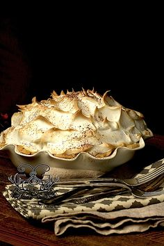Grandmama's Chocolate Meringue Pie Chocolate Meringue Pie - Fail Proof - Stacy Lyn Harris Chocolate Meringue Pie, Chocolate Pies, White Chocolate, Chocolate Buttercream, Buttercream Frosting, Pie Recipes, Dessert Recipes, Cooking Recipes, Just Desserts