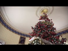 Google's latest VR video is a trip through the White House during Christmas