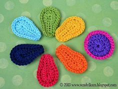 free crochet pattern. Awesome flower that can brighten up any hat, scarf, bag, or blanket.