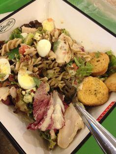 Salada 'montada' no Salad Creations do Brasília Shopping.