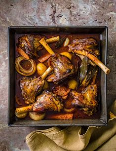 Best Lamb Recipes, Roast Recipes, Cooking Recipes, Favorite Recipes, Slow Roast Lamb, Slow Cooked Lamb, Lamb Dishes, Food Dishes, Easy Lamb Shank Recipe