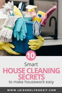 Whether you want to deep clean your kitchen or bathroom or do a quick clean of your bedroom, here are some house cleaning tips and tricks that will make it easy to keep your home tidy. Whether you want to deep clean your kitchen or bathroom o Household Cleaning Schedule, Cleaning Schedule Printable, Cleaning Crew, Speed Cleaning, House Cleaning Tips, Diy Cleaning Products, Cleaning Hacks, Cleaning Routines, Household Tips