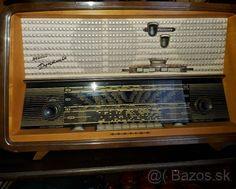 Predam funkčné retro stereo radio - 1 Radio Record Player, Record Players, Radios, Radio Design, Digital Signal Processing, Vinyl Record Collection, Antique Radio, Vintage Tv, Ham Radio