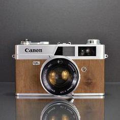 ILOTT Vintage: Refurbished rangefinder cameras hand finished with unique real wood veneer