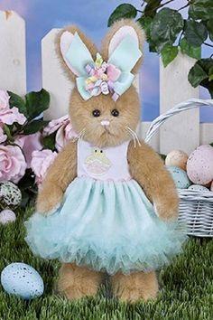 @ Bearington Plush 10 Inch Rabbit Prissy Peeps Easter New. Rabbit Wallpaper, Bear Wallpaper, Easter Peeps, Easter Bunny, Boyds Bears, Teddy Bears, My Little Nieces, Shabby, Ideias Diy