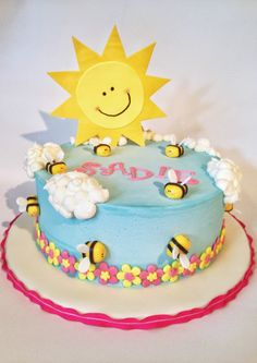 You are my sunshine birthday cake. Buttercream clouds, fondant bumblebees and flowers, gumpaste sunshine. Sunshine Birthday Cakes, Sunshine Cake, 9th Birthday Parties, 2nd Birthday, Birthday Ideas, Yellow Party Decorations, Cake Decorations, Food Themes, Cloud 9
