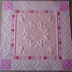 "Such a cute quilt!  This is the full shot about 20"" square. #connectingquiltdesigns by foreverquilting"