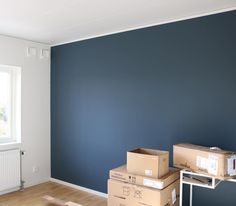 Love this accent wall color Accent Wall Colors, Accent Walls, Bedroom Colors, Bedroom Decor, Blue Walls, Home Staging, House Colors, Living Room Designs, Decoration