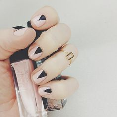 triangle mani in light pink and black