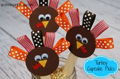 Turkey Cupcake Picks: Thanksgiving Craft Projects for Kids using materials from @Ben Franklin Crafts and Frames  #thanksgivingcrafts #thanksgivingcraftsforkids