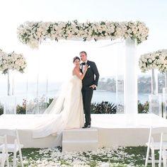 284 отметок «Нравится», 8 комментариев — Jeannie Savage (@detailsjeannie) в Instagram: «White on White wedding for @sarahhafizzzz and Stephen up on #aboutdetailsdetails Blog with Team:…»
