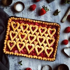 Happy Valentine\'s Day! I hope that each and everyone of you feels the love today - you deserve it. ❤️ #pie #pieart #piecrust #pastry #dessert #baking #slabpie #raspberry #strawberry #rhubarb #homebaking #fromscratch #homemade #bake #feedfeed #wiltoncakes #instabake #foodandwine #valentinesday #valentines #valentine #valentines2017 #romance #love #heart #hearts #loveheart #friendship #romantic #red