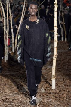See the complete Off-White Fall 2017 Menswear collection.