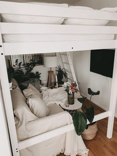 Ikea Deko Challenge – Kleine Wohnung mit Hochbett umdekorieren Ikea Deko Challenge – Redecorate a small apartment with a loft … Small Rooms, Small Apartments, Bedroom Loft, Bedroom Decor, Loft Bed Plans, Student Room, My New Room, Room Inspiration, Interior Design