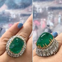 Whoever got hold of this stunning emerald ring by @davidwebbjewels in @doylebeverlyhills auction is certainly the luckiest person. #ring #emeraldring #emeralds #tierraemeralds