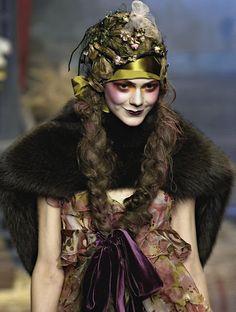 Flapper makeup | John Galliano Fall 2007