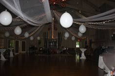white party decor
