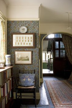 The Pomegranate Passage interior at Victorian Arts and Crafts Wightwick Manor (National Trust) with William Morris wallpaper Arts And Crafts Interiors, Arts And Crafts House, Home Crafts, Art And Craft Design, Design Crafts, William Morris Art, William Morris Wallpaper, Halls, Cosy Home