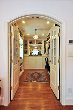 9/12 Listing of the Week | Gorgeous master #closet!