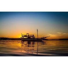 Tarifa, Porto Seguro - 31.12.2016   #portoseguro #bahia #brazil #tarifa #travel #traveling #travelgram #instatravel #tourism #tourist #river #boats #pier #landscape #paradise #horizon #mangroove #sunset #sun #sky #clouds #lastdayoftheyear #lastdayof2016 #instagram #instagrammer #igers #photo #photography #canon #teamcanon by (photosbraianprado). sunset #horizon #boats #igers #travelgram #portoseguro #tourism #mangroove #sun #paradise #pier #photo #tourist #landscape #bahia #traveling #canon…