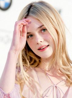 Elle fanning Beautiful Girl Image, Gorgeous Women, Dakota And Elle Fanning, Fresh Makeup, Western Girl, Cute Faces, Hollywood Celebrities, Fanning Sisters, Beauty Queens