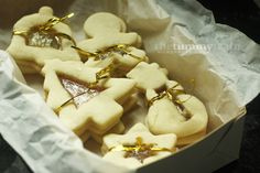 Baking for the holidays: Stained-Glass Cookies. Delicious cookies with a crunchy candy centre. Adults and children adore this alike! Click for recipe.