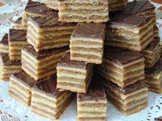 Hungarian Desserts, Hungarian Cake, Hungarian Recipes, Hungarian Food, Zserbo Recipe, Cheesecake Pops, Cookie Recipes, Dessert Recipes, Holiday Baking