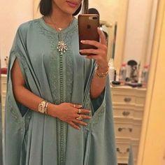 "866 mentions J'aime, 4 commentaires - fashion in the Arab world (@fashion_in_the_arab_world) sur Instagram : ""#fashion_in_the_Arab_world#morocco#ksa#uae#kowait#oman#qatar#bahrain#iraq#jordan#syria#Lebanon#turkey#chic#elegant#dara3a#eidmubarak"""